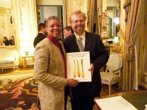 Monique Y. Wells, co-founder of Discover Paris! and Nathan Myhrvold co-author of Modernist Cuisine