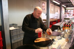 Rudy Making Sarrasin Crêpe with Chestnut Honey