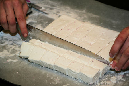 Cutting Marshmallow into Cubes