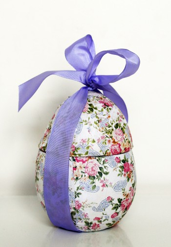 Easter egg from Mococha Chocolats