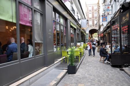Un Dimanche à Paris on Cour du Commerce Saint-André