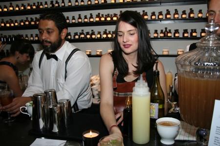Bartender Serving a Souviens-toi d'Acapulco